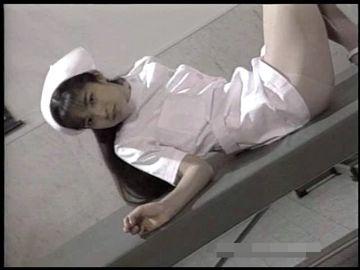 【無修正】白衣の天使まさに高原りなちゃんのことですね!そしてエッチな先生は加藤鷹が演じています。